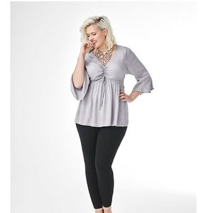 TORRID light grey ruched blouse size 1, 14/16 NWT
